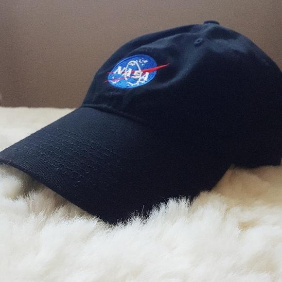 NASA Logo Dad Hat. M 5a90475c739d4811dad7e6cd f9efc589629